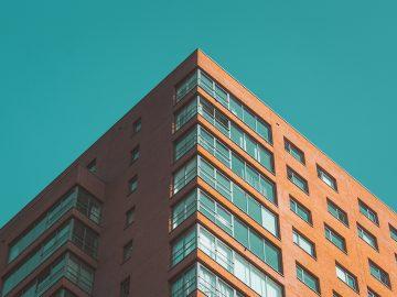 5 dôvodov, prečo by ste nikdy nemali kupovať alebo predávať nehnuteľnosť bez realitnej kancelárie